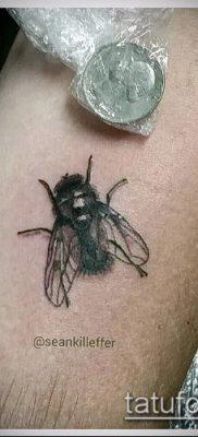 фото тату муха (значение) – пример интересного рисунка тату – 019 tatufoto.com