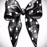 эскиз тату бантик №468 - крутой вариант рисунка, который успешно можно использовать для переделки и нанесения как тату бантики сзади