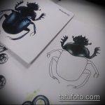 эскиз тату жук №104 - достойный вариант рисунка, который легко можно использовать для переработки и нанесения как татуировка жук на запястье