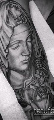 фото тату Дева Мария (значение) – пример интересного рисунка тату – 090 tatufoto.com