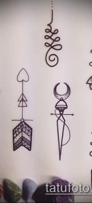фото тату Уналоме (tattoo Unalome) (значение) – пример рисунка – 035 tatufoto.com