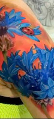 фото тату василек (cornflower tattoo) (значение) – пример рисунка – 031 tatufoto.com