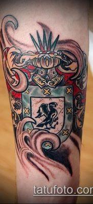 красивая татуировка герб на руку – цветная работа