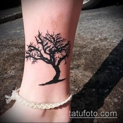 фото тату дуб (tattoo oak) (значение) - пример рисунка - 056 tatufoto.com