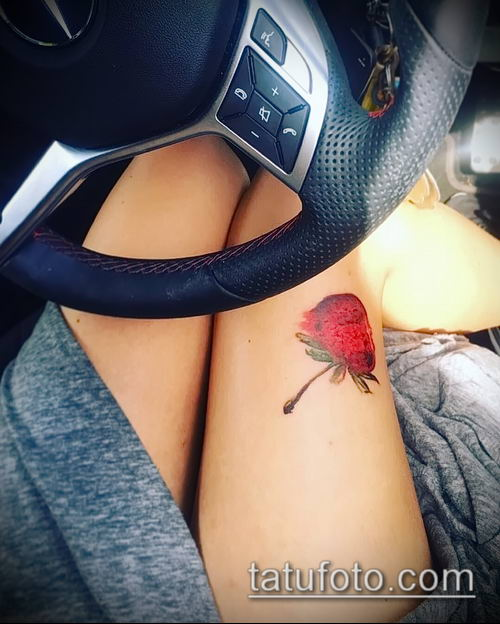 фото тату клубника (Strawberry Tattoos) (значение) - пример рисунка - 008 tatufoto.com