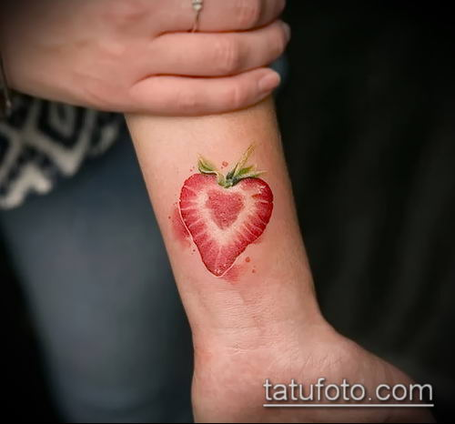 фото тату клубника (Strawberry Tattoos) (значение) - пример рисунка - 024 tatufoto.com