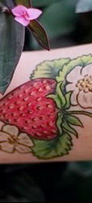 фото тату клубника (Strawberry Tattoos) (значение) – пример рисунка – 039 tatufoto.com