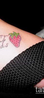 фото тату клубника (Strawberry Tattoos) (значение) – пример рисунка – 046 tatufoto.com