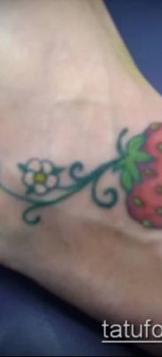 фото тату клубника (Strawberry Tattoos) (значение) – пример рисунка – 047 tatufoto.com
