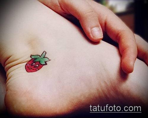 фото тату клубника (Strawberry Tattoos) (значение) - пример рисунка - 052 tatufoto.com