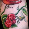 фото тату малина (значение) - пример интересного рисунка тату - 038 tatufoto.com