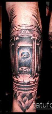 фото тату на ляжке (tattoo Masons) (значение) – пример рисунка – 022 tatufoto.com