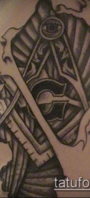 фото тату на ляжке (tattoo Masons) (значение) – пример рисунка – 052 tatufoto.com