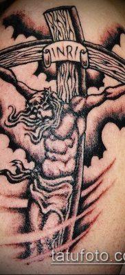 фото тату распятие (crucifix tattoo) (значение) – пример рисунка – 013 tatufoto.com