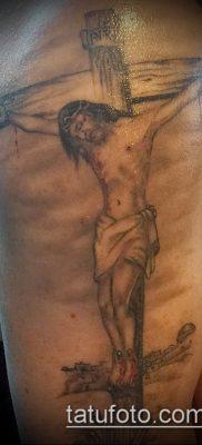 фото тату распятие (crucifix tattoo) (значение) – пример рисунка – 033 tatufoto.com