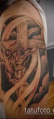фото тату распятие (crucifix tattoo) (значение) – пример рисунка – 052 tatufoto.com