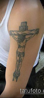 фото тату распятие (crucifix tattoo) (значение) – пример рисунка – 053 tatufoto.com
