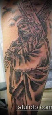 фото тату распятие (crucifix tattoo) (значение) – пример рисунка – 057 tatufoto.com