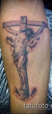 фото тату распятие (crucifix tattoo) (значение) – пример рисунка – 058 tatufoto.com