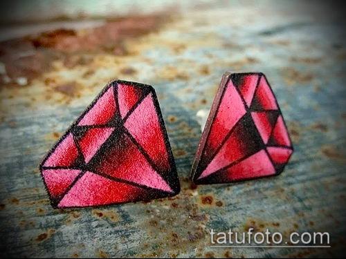 фото тату рубин (ruby tattoo) (значение) - пример рисунка - 030 tatufoto.com