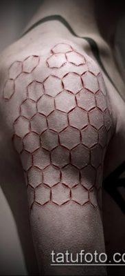 фото тату соты (значение) – пример интересного рисунка тату – 017 tatufoto.com