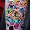 фото тату соты (значение) - пример интересного рисунка тату - 030 tatufoto.com