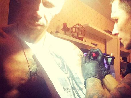Алексей Панин – татуировка с голой бывшей женой - фото 2
