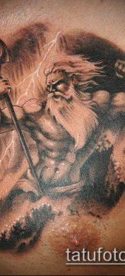 ТАТУИРОВКА ТРЕЗУБЕЦ №394 – эксклюзивный вариант рисунка, который удачно можно использовать для преобразования и нанесения как татуировка трезубец у девушки