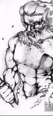 ТАТУИРОВКА ТРЕЗУБЕЦ №75 – достойный вариант рисунка, который успешно можно использовать для переделки и нанесения как татуировка трезубец