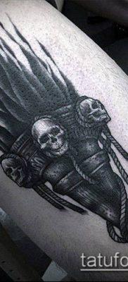 ТАТУИРОВКА ФАКЕЛ №7 – классный вариант рисунка, который успешно можно использовать для доработки и нанесения как тату факел на ноге
