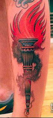 ТАТУИРОВКА ФАКЕЛ №320 – достойный вариант рисунка, который удачно можно использовать для доработки и нанесения как татуировка факел на плече