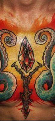 ТАТУИРОВКА ФАКЕЛ №707 – интересный вариант рисунка, который удачно можно использовать для преобразования и нанесения как татуировка факел и розы