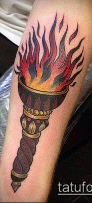 ТАТУИРОВКА ФАКЕЛ №756 – крутой вариант рисунка, который хорошо можно использовать для преобразования и нанесения как татуировка факел в руке
