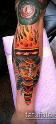 ТАТУИРОВКА ФАКЕЛ №88 – уникальный вариант рисунка, который успешно можно использовать для преобразования и нанесения как татуировка факел на левой руке