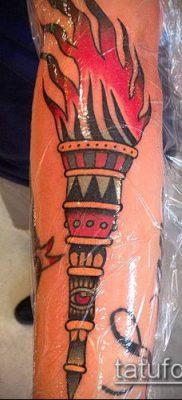 ТАТУИРОВКА ФАКЕЛ №265 – классный вариант рисунка, который удачно можно использовать для преобразования и нанесения как татуировка факела на руке