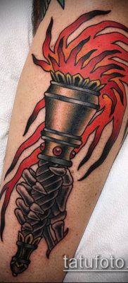 ТАТУИРОВКА ФАКЕЛ №541 – эксклюзивный вариант рисунка, который удачно можно использовать для переработки и нанесения как татуировка факел на плече