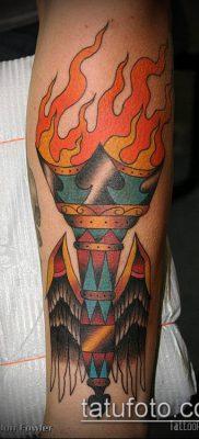 ТАТУИРОВКА ФАКЕЛ №42 – эксклюзивный вариант рисунка, который легко можно использовать для переработки и нанесения как татуировка факел свободы