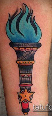 ТАТУИРОВКА ФАКЕЛ №352 – классный вариант рисунка, который хорошо можно использовать для переделки и нанесения как татуировка факел в руке