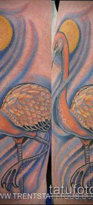 ТАТУИРОВКА ФЛАМИНГО №121 – прикольный вариант рисунка, который удачно можно использовать для преобразования и нанесения как татуировка фламинго на ноге
