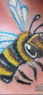 ТАТУИРОВКА ШМЕЛЬ №409 – достойный вариант рисунка, который легко можно использовать для преобразования и нанесения как татуировка шмель щербинка