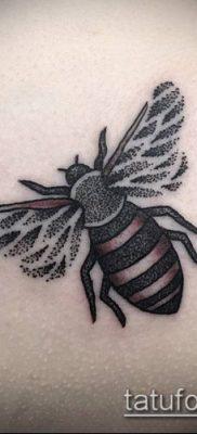 ТАТУИРОВКА ШМЕЛЬ №138 – достойный вариант рисунка, который хорошо можно использовать для преобразования и нанесения как татуировка шмель щербинка