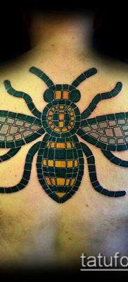 ТАТУИРОВКА ШМЕЛЬ №367 – интересный вариант рисунка, который успешно можно использовать для переработки и нанесения как татуировка шмель