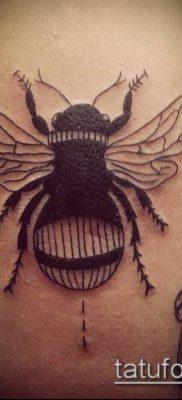ТАТУИРОВКА ШМЕЛЬ №180 – уникальный вариант рисунка, который легко можно использовать для переработки и нанесения как татуировка шмель на пальце
