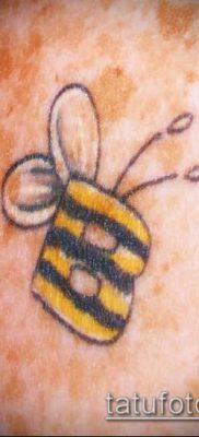 ТАТУИРОВКА ШМЕЛЬ №61 – интересный вариант рисунка, который хорошо можно использовать для переработки и нанесения как татуировка шмель щербинка