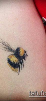 ТАТУИРОВКА ШМЕЛЬ №804 – эксклюзивный вариант рисунка, который хорошо можно использовать для преобразования и нанесения как татуировка шмель на пальце
