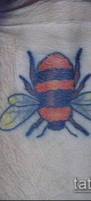 ТАТУИРОВКА ШМЕЛЬ №198 – классный вариант рисунка, который легко можно использовать для доработки и нанесения как татуировка шмель щербинка