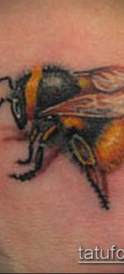 ТАТУИРОВКА ШМЕЛЬ №199 – интересный вариант рисунка, который хорошо можно использовать для переделки и нанесения как татуировка шмель
