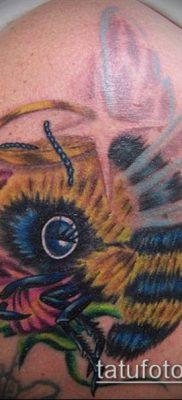 ТАТУИРОВКА ШМЕЛЬ №368 – уникальный вариант рисунка, который хорошо можно использовать для переработки и нанесения как татуировка шмель на пальце