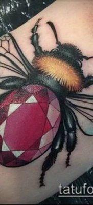 ТАТУИРОВКА ШМЕЛЬ №574 – классный вариант рисунка, который успешно можно использовать для переделки и нанесения как татуировка шмель