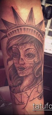 фото ТАТУ СТАТУЯ СВОБОДЫ (Tattoo) (значение) – пример рисунка – 089 tatufoto.com